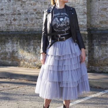 ROCK, TULLE AND BELTS